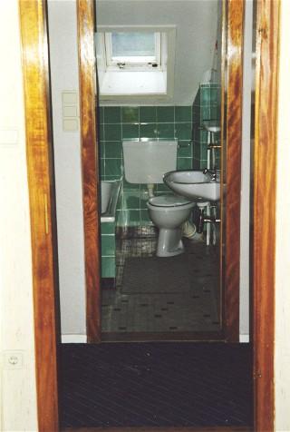 kleines badezimmer haus umbauen. Black Bedroom Furniture Sets. Home Design Ideas